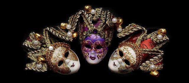Velencei karnevál maszkok